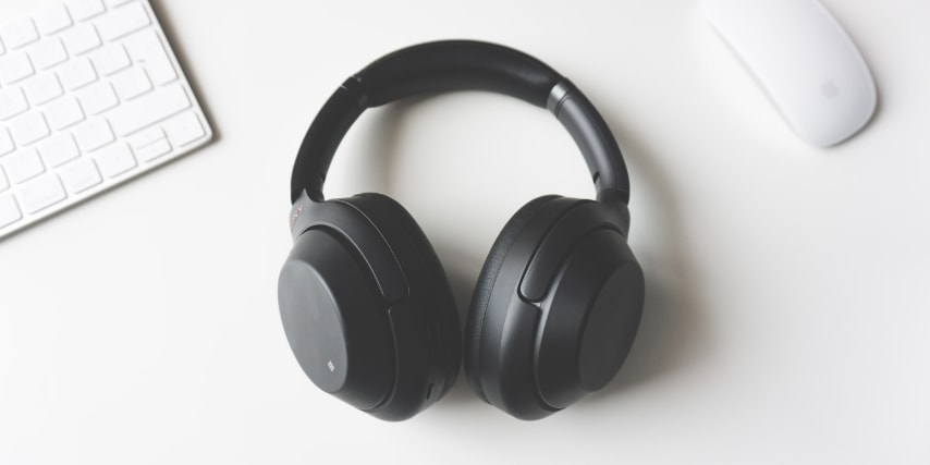 Vores anbefaling er klar: Køb trådløse høretelefoner med mindre dit behov kræver et kabel.